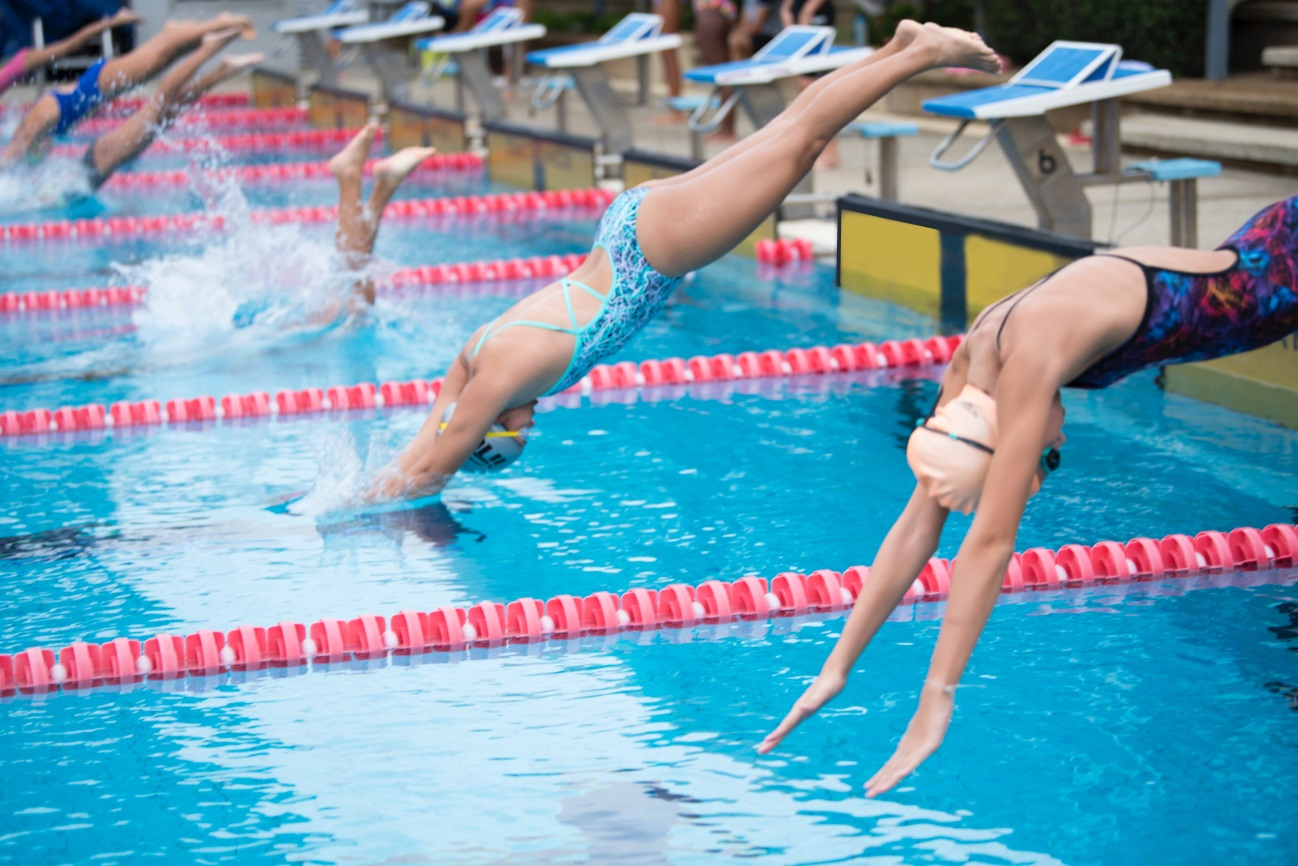These 10 All-around Benefits of Swimming Will Blow Your Mind! diving in water