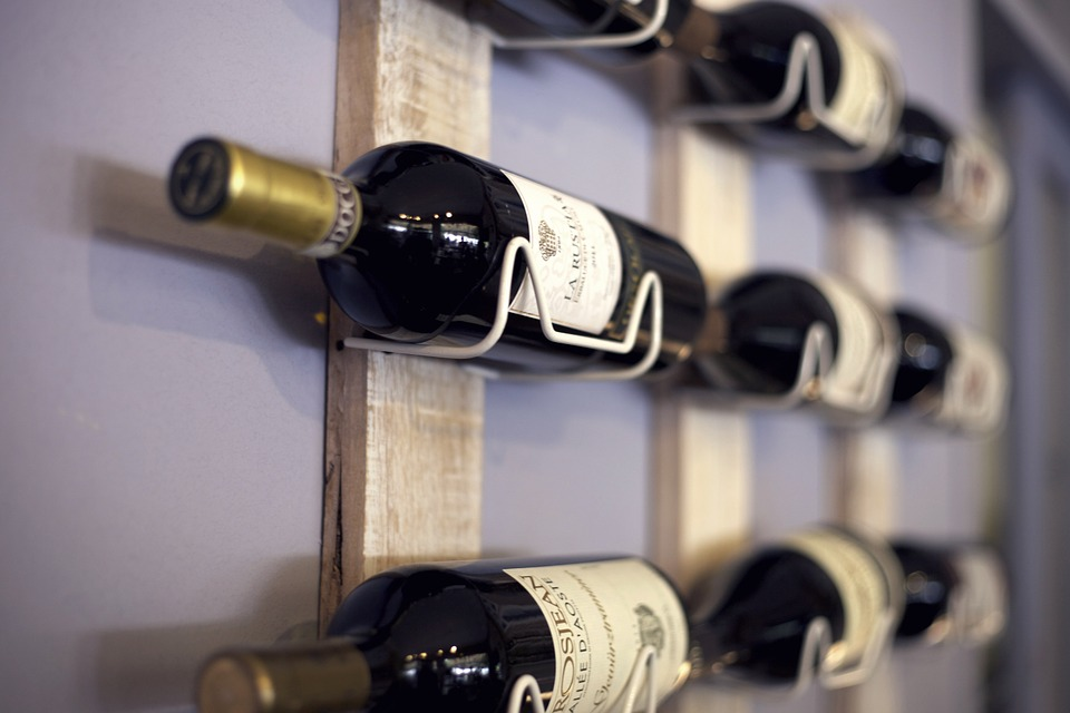 5 Finest Wine Accessories for Wine Lovers